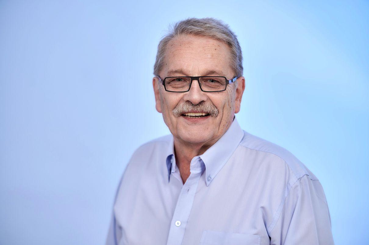 Dr. Peter Justus